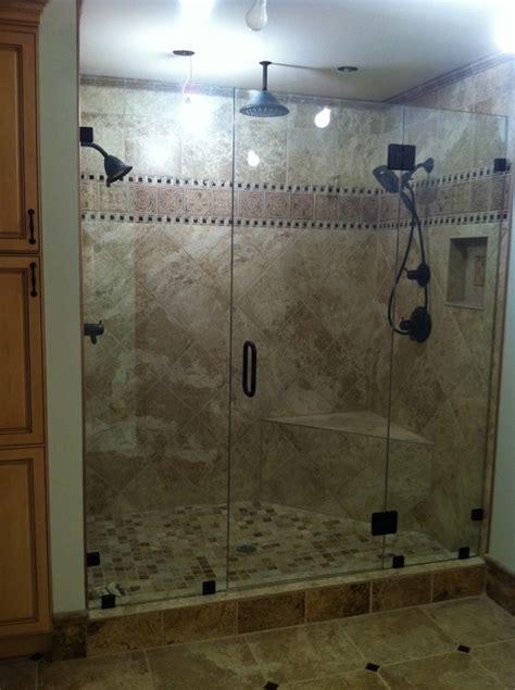 custom showers    bath decors