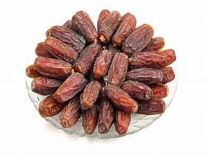 Fresh Dates Vs Dried Dates: Which Is Healthier? - Boldsky.com