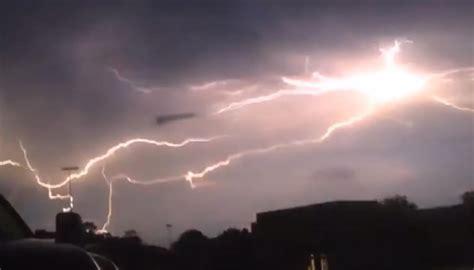 UFO filmed 'feeding on lightning' | Newshub