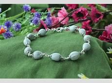White Vaijayanti Bracelet in pure silver flower caps