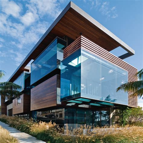 4 Homes With Design Focused On Beautiful Wood Elements by 10 Houses That Make Us Want To Live By The Water In