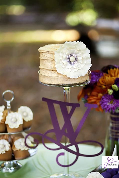 Rustic Small Wedding Cake With Ruffled Flowers