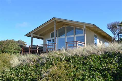 Seaside Bungalow Vacation Rental  Bandon, Oregon Coast