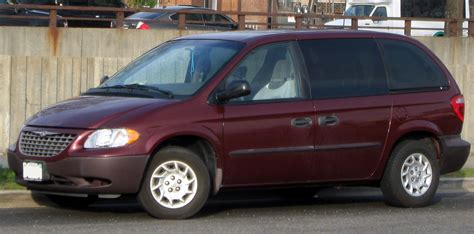 Chrysler Plymouth Voyager by 2003 Chrysler Voyager Information And Photos Zombiedrive