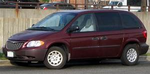 2002 Chrysler Voyager - Information and photos - ZombieDrive