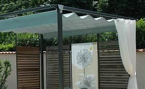 Un rideau d39exterieur est un excellent brise vue retractable for Rideau pour pergola exterieur