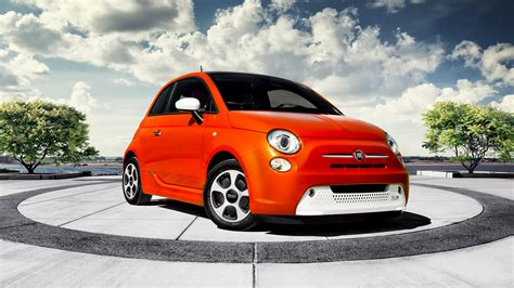 Fiat 500c Backgrounds by Fiat 500e 2013 Wallpapers And Hd Images Car Pixel