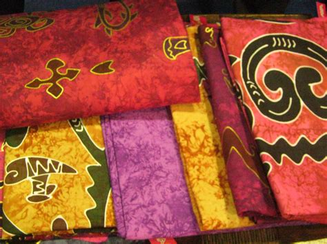 batik papua  eksotis female digest