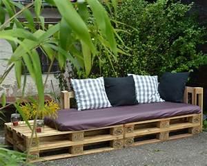 Sofa Aus Europaletten : eine lounge ecke f r parzelle 29 ein sofa aus ~ Articles-book.com Haus und Dekorationen