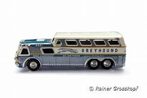GreyhoundBusse in den USA feiern 100jähriges Jubiläum