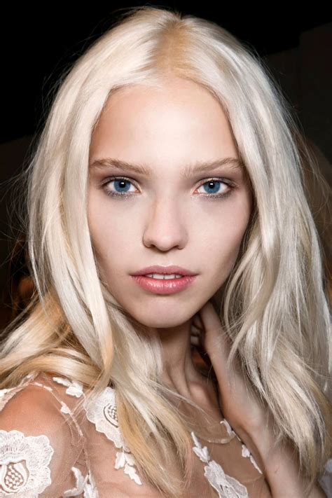 From Balayage to Bleach Tone, Here's How to Get The Blonde ...