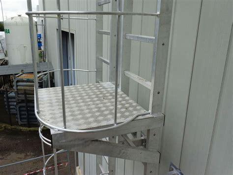 corrimano scale normativa casa di cagna altezza parapetti scale