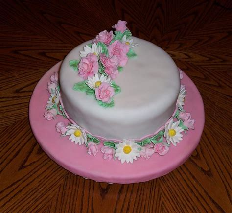 cake decorating ideas you have to see spring summer cake on craftsy