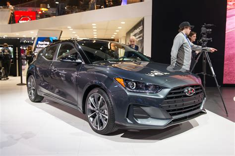 surprise  hyundai veloster lives   redesign