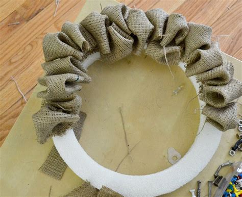Diy Fluffy Burlap Wreath