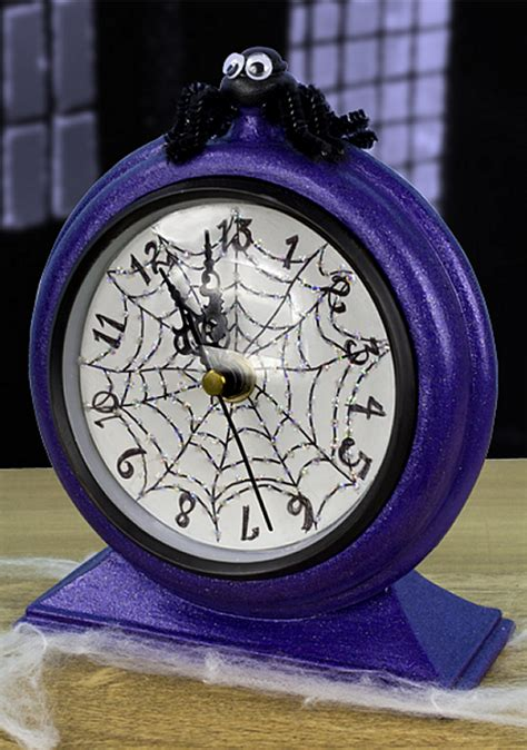thirteen oclock halloween clock project  decoart