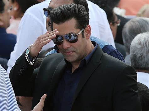 salman khan wallpapers images  pictures backgrounds