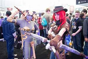 HirezKelly as Artemis. I'm just in love with that cosplay ...