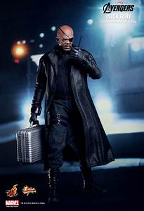 Hot Toys : The Avengers - Nick Fury 1/6th scale Limited ...