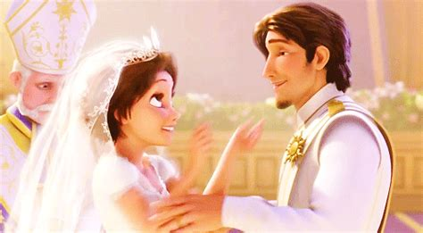 Flynn Rider Kiss GIF - Find & Share on GIPHY
