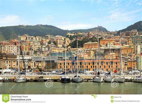 og g 234 nes italie de port et de ville photo stock image 25614770