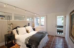 spot sur rail idees pour un eclairage moderne With spot chambre a coucher