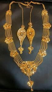 Theramakantpande  Hand Made Gold Jewellery From Kumaon  India