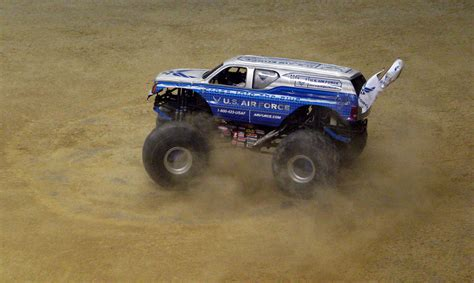 monster truck show in san antonio photos
