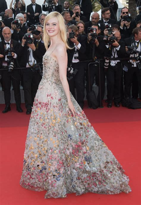 elle fanning cannes film festival    teen vogue