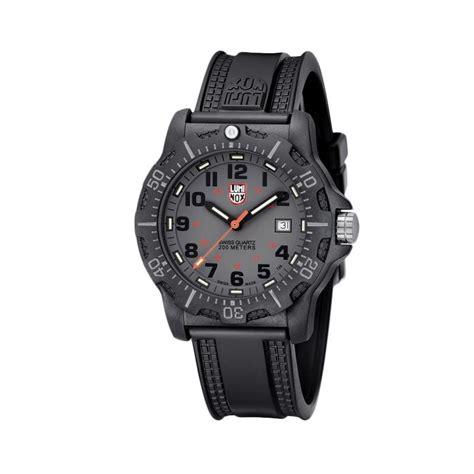 Jam Tangan Pria Merk Luminox jual luminox black ops carbon 8800 series rubber jam