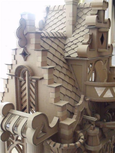 castelo incrivel feito  papelao alo terra