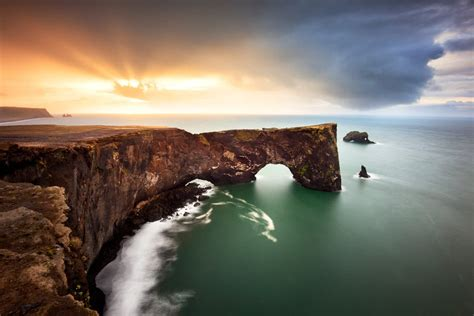 dyrholaey   photography location guide  iceland