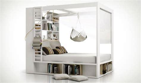chambre avec lit baldaquin lit baldaquin original avec bibliothque et rangements 160