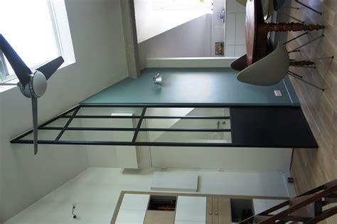 cuisine sous verriere une verrière sous les combles d 39 un toit en pente ou mansardé