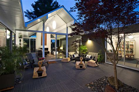 interior courtyard surrounded   gables house  klopf architecture