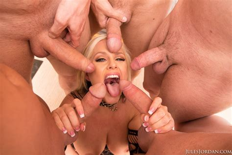 Alena Croft posing and sucking five big cocks - My ...