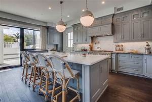 Design trend blue kitchen cabinets 30 ideas to get you for Kitchen colors with white cabinets with nyc skyline wall art