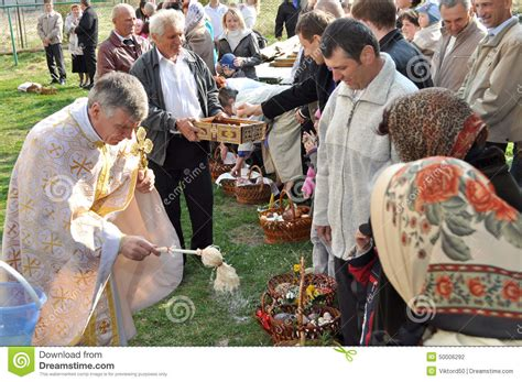 cuisine priest easter parishioners of the orthodox church editorial