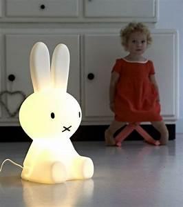 Veilleuse Chambre Bébé : lampe veilleuse lapin miffy soon luminaire chambre enfant luminaire chambre b b et chambre ~ Melissatoandfro.com Idées de Décoration