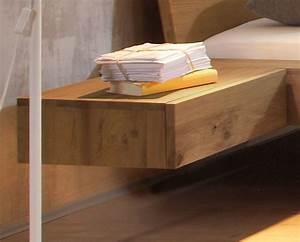 Nachttisch Zum Einhängen : h ngender nachttisch aus wildeiche liro ~ Frokenaadalensverden.com Haus und Dekorationen