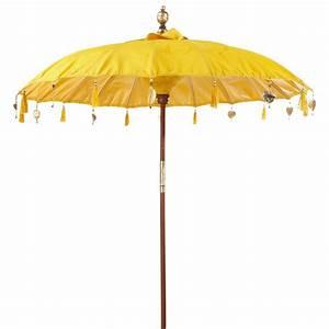 La Maison Du Parasol : parasol ubud jaune maisons du monde ~ Dailycaller-alerts.com Idées de Décoration