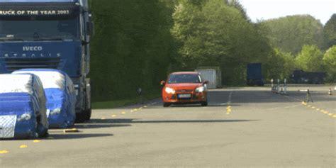 ford evasive steering assist car  helps  swerve