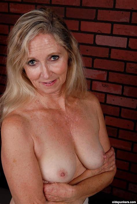 Old Spunkers Annabelle Massive Granny Porn Pov Sex Hd Pics