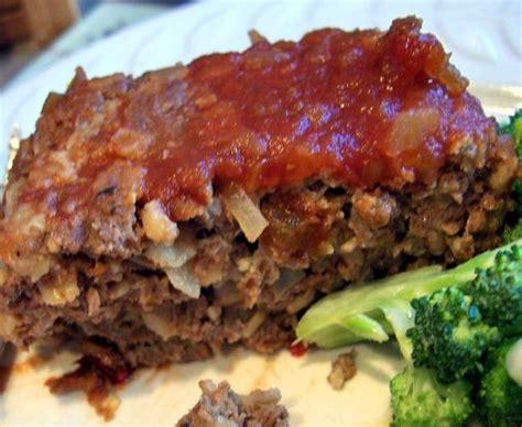 Folks, i've never had a meatloaf recipe this ding dang good before! meatloaf recipe oatmeal 1 lb hamburger
