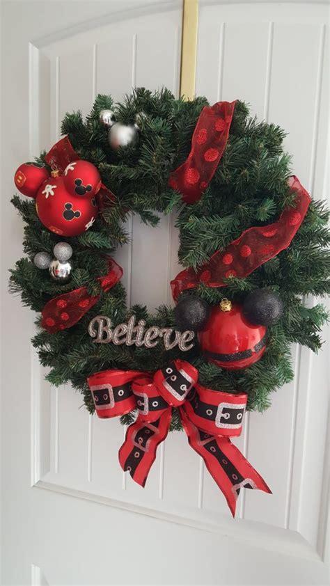 disney holiday wreath