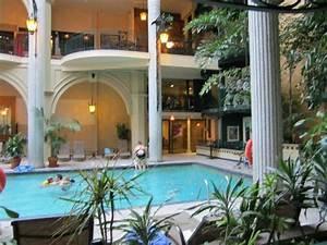 Divan lit petit coin salon photo de plaza quebec for Hotel a quebec avec piscine interieure 13 piscine interieure photo de hotel pavillons le petit
