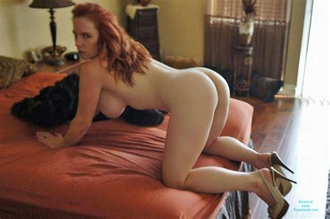 Redhead Milf Shows Ass July 2015 Voyeur Web