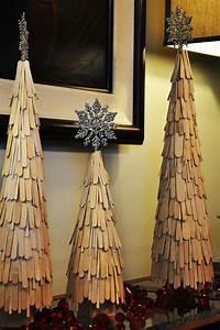 Basteln Mit Holz Weihnachten : weihnachtlich dekorieren mit diy weihnachtsb umen freshouse ~ Whattoseeinmadrid.com Haus und Dekorationen