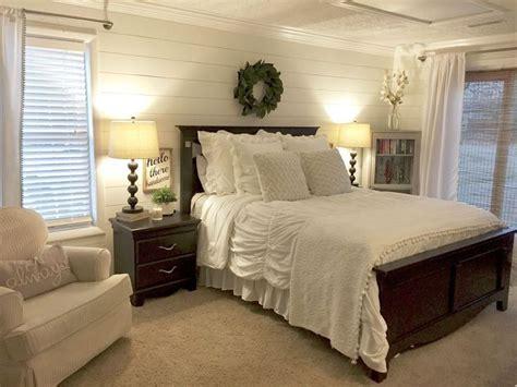 gorgeous farmhouse master bedroom decorating ideas  coziemcom farmhouse bedrooms
