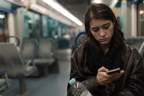 limiting social media use can alleviate the feeling of loneliness and depression techspot